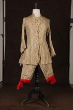 Costume de théâtre : costume militaire style Louis XV