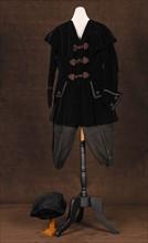 Costume de théâtre : tenue de sortie style Louis XV