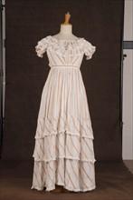 Costume de théâtre : robe à crinoline