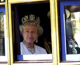 La reine Elisabeth II, 2001