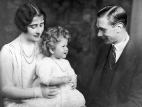 La princesse Elisabeth avec ses parents