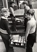 Distribution de lait dans les écoles anglaises, 1970