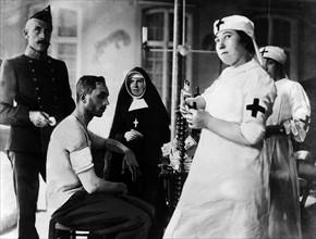 Personnels de la Croix Rouge au cours de la première guerre