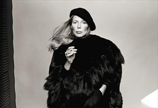 Joni Mitchell, 1975