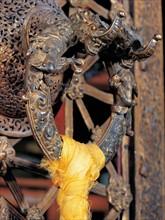 Heurtoir avec un dragon cuivré, Tibet, Chine