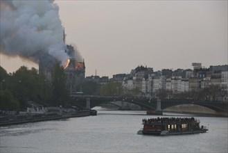 Incendie de Notre-Dame de Paris le 15 avril 2019