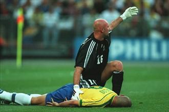 Fabien Barthez et Ronaldo