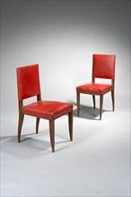 Ruhlmann, Paire de chaises sur pieds galbés