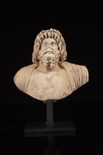 Buste représentant le dieu Sérapis