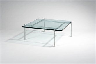 Table basse de Poul Kjaerholm