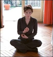 "02/00/2002. Close up : Actress Julie Anne Roth stars in Dan Jemett's ""Shake"", an adaptation of Shakespeare's ""Twelfth night""."