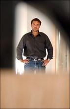 09/30/2002. Romain Sardou at Home, publishes his first novels 'Pardonnez nos offenses'.