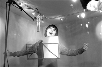 11/00/2002.  French singer Mireille Mathieu returns on the musical scene with a new CD and tour in France and Europe.
