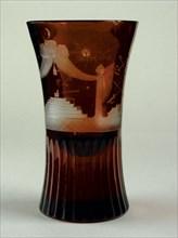 Verre de forme « canon » en cristal de Bohème rouge, fin du 18e siècle.