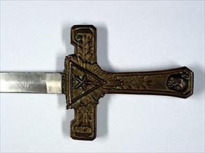 Epée maçonnique, lame en fer-blanc