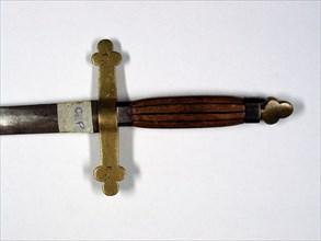 épée maçonnique, poignée en cuivre et bois