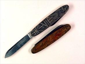 Couteaux en métal à motifs maçonniques de la loge Justice