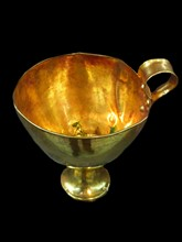 Gold kylix with one handle