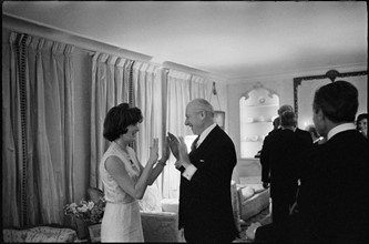 Jackie Kennedy and Cecil Beaton. March 1962. London.