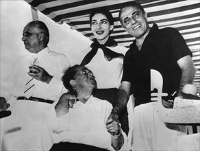 Giovanni Battista Meneghini, Elsa Maxwell, Maria Callas et Aristote Onássis à Venise en 1957