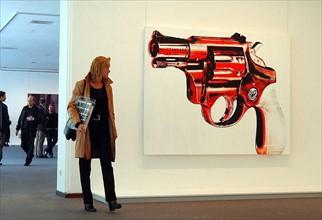 """Visiteurs de l'exposition """"Andy Warhol"""", 2001"""