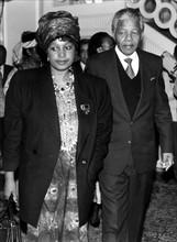 Nelson Mandela et sa femme Winnie en voyage officiel à Bonn