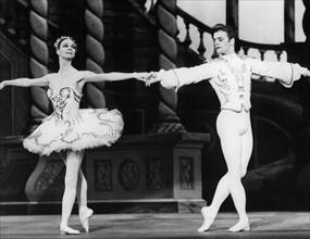 Mikhail Baryschnikov et  Antoinette Sibley