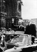 Charles de Gaulle et le Chancelier allemand Konrad Adenauer