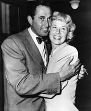 Doris Day posant avec son mari Marvin Melcher.