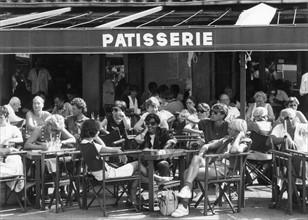 Terrasse de café à Saint Tropez