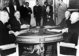 Conférence à Paris, 1959