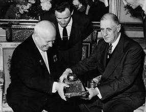 Nikita Khrouchtchev et Charles de Gaulle, 1960