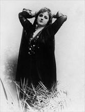 Clara Ward - Princesse de Caraman-Chimay  Dame der Gesellschaft verkleidet als Araberin - undatiert  Originalaufnahme im Archiv von ullstein bild