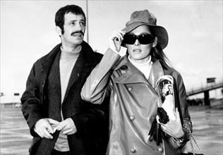 Jean-Paul Belmondo et Ursula Andress