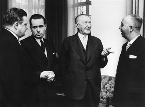 Strauss, Chaban-Delmas, Adenauer and Taviani (fr.l) during a conference in Bonn