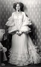 Emilie Floege, 1909.