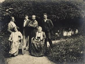 Gustav Klimt, Emilie Floege and her mother Barbara with friends, 1908