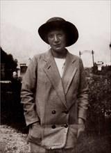 Wally Neuzil, 1913.