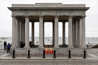 Monument Plymouth Rock