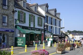 Harbour promenade with pub in Camaret-sur-Mer on the Crozon peninsula