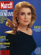 Couverture de Paris Match du 12 février 1988, Catherine Deneuve portant une robe YSL inspirée d'une oeuvre de Braque