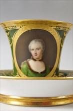 Tasse d'un Service à thé en porcelaine de Sèvres