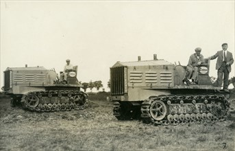 Tracteurs à chenilles, vers 1920
