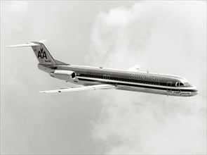 Fokker F100 en vol, 1986