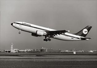 L'Airbus A300-600 au décollage, 1987