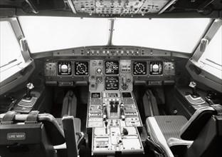 Cockpit d'un Airbus A320, 1987