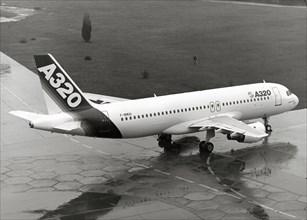 Premier vol du prototype de l'Airbus A320, 1987