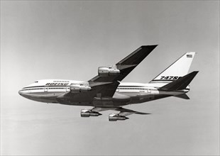 Boeing 747 SP en vol, 1975
