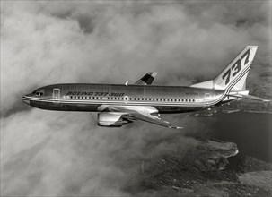 Boeing 737-300 en vol, 1984