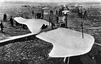 "L'avion monoplan ""Rumpler Taube"", 1912"